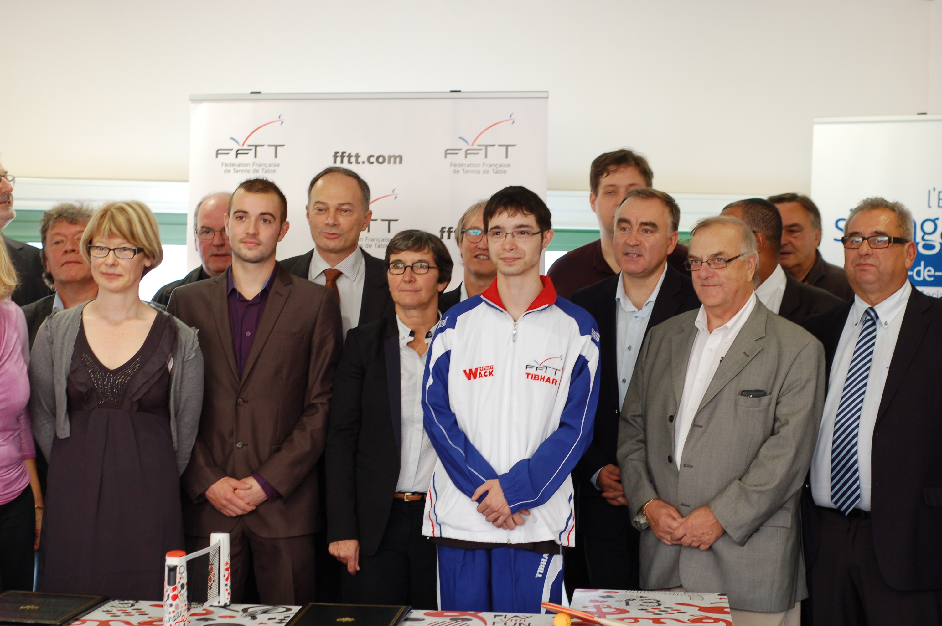 Imprimer signature d 39 une convention de 80 emplois d - Federation francaise de tennis de table ...